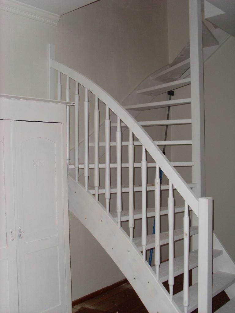 Houten trappen op maat gemaakt for Houten trap voor buiten